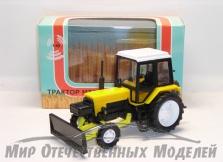 Трактор ДЗ-82 (на базе МТЗ (жёлтый пластик) с передней отвальной навеской 1:43
