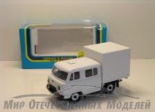 УАЗ-39094 Фермер (пластик,белый) с будкой 1:43