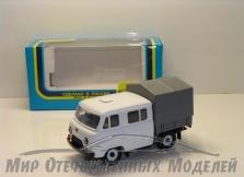 УАЗ-39094 Фермер (пластик,белый) с тентом 1:43