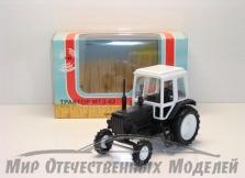 Трактор МТЗ-82 (пластмасса, черный с бел.кабиной)  1:43