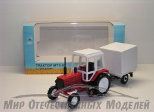 Трактор МТЗ-82 (пластмасса, красный) с прицепом будка СарАвто 1:43