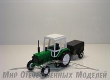 Трактор МТЗ-82 (пластмасса, зеленый) с прицепом-8109 (зеленый) 1:43