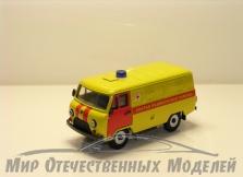 """УАЗ-3741 грузовой фургон (пластик, окрашенный 2х цветный) """"Скорая мед.помощь"""" (декали) 1:43"""